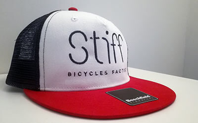 Snapback filet brodé Stiff Bicycle